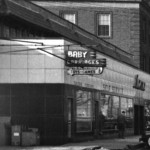 A close-up of the Acme store from the left photo.